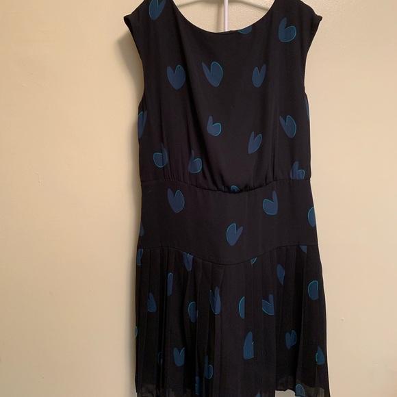 LOFT Dresses & Skirts - Ann Taylor LOFT black/green heart sleeveless dress